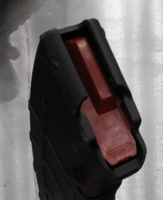 Magpul AK mag - closeup of non-tilt follower